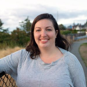 Naomi Tomky Headshot